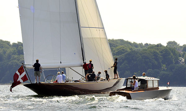 Siesta, with the Robbe and Berking commuter launch alongside. Photo c/o Robbe & Berking