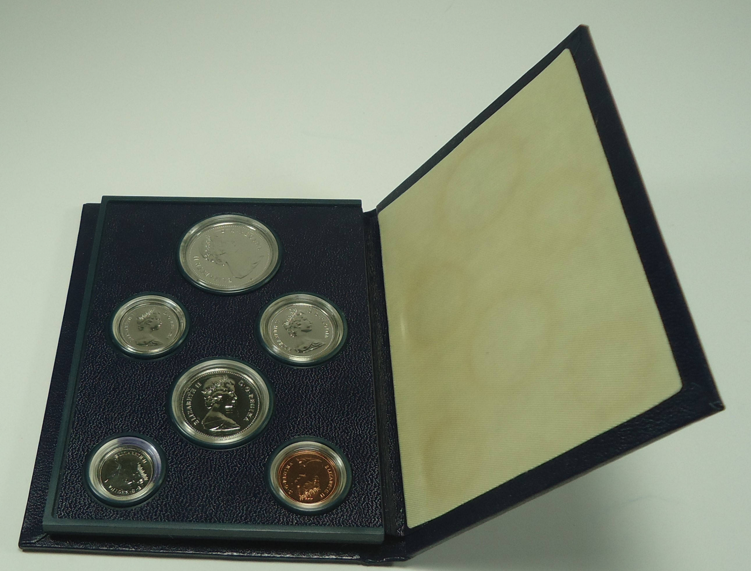 Coat of Arms Uncirculated 1981-50-cents RCM Specimen